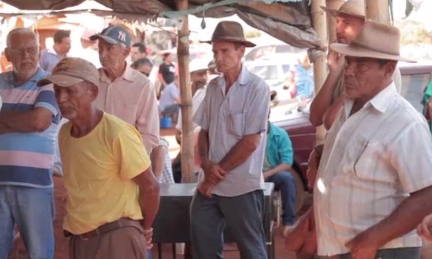 A film about land reform: Land   Terra